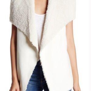 Romeo + Juliet Faux Fur Vest